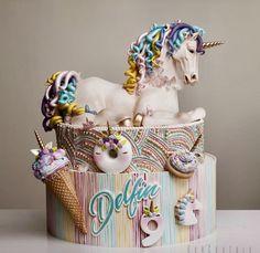 Unicorn meets delicious dessert - Page 27 of 46 - zzzzllee Unique Cakes, Creative Cakes, Beautiful Cakes, Amazing Cakes, Unicorn Wedding, Pony Cake, Unicorn Foods, Horse Cake, Beautiful Unicorn