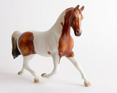 Vintage Breyer Misty's Twilight Bay Pinto Model Horse, Brown and White Horse Figurine Brown And White Horse, Marguerite Henry, Chincoteague Ponies, List Of Countries, Dark Mark, Horse Sculpture, Breyer Horses, Vintage Toys, Twilight