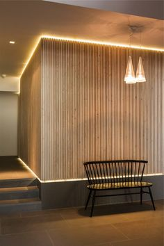 L'éclairage indirect, 52 super idées en photos! indirect lighting for the corridor with wooden wall Decor, Wood Slat Wall, House Design, Wood Cladding, Interior, Interior Architecture, Timber Walls, Indirect Lighting, Wall Cladding
