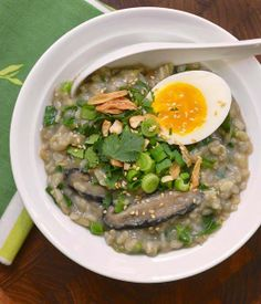 #Recipe: Brown Rice Congee with Shiitake Mushrooms and Greens
