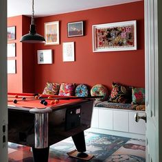 Art Symphony: Industrial Vibe in a London House Cream Living Rooms, Living Room Orange, Living Room Colors, Living Room Modern, Living Room Decor, Loft Estilo Industrial, Industrial Style, Pool Table Room, Game Room Bar