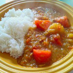 最近はまっているカレー粉カレー☆野菜をたっぷり使っているので、小麦粉を入れなくてもとろみがついて美味しい~ - 32件のもぐもぐ - 野菜たっぷりカレー粉カレー by kahopinochu36