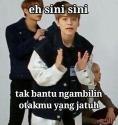 Memes Humor, K Meme, Memes Funny Faces, Funny Kpop Memes, Seventeen Memes, Funny Boy, Wonder Quotes, Quotes Indonesia, Good Jokes