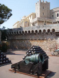 Monaco - Devant le Palais Princier. Monte Carlo, Prince, Le Palais, Old City, Vatican, Cannon, Old Things, Dupont, World