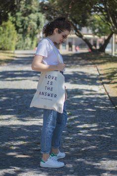 Tote Bag Love Is The Answer  www.respiramor.com