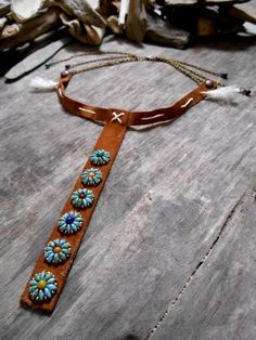 Pretty necklace NATIVE AMERICAN inspiration with leather, stone beads, bronze ch… – Jewelery Leather Necklace, Leather Jewelry, Leather Craft, Boho Jewelry, Jewelry Art, Beaded Jewelry, Jewelery, Jewelry Accessories, Jewelry Necklaces