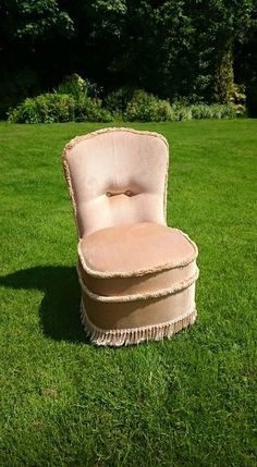Vintage Bedroom Chair in Beautiful Beige Fabric Very Good Condition by LoveYourVintageHome on Etsy Vintage Furniture For Sale, Bedroom Chair, Bedroom Vintage, Beige, Trending Outfits, Handmade Gifts, Fabric, Etsy, Beautiful