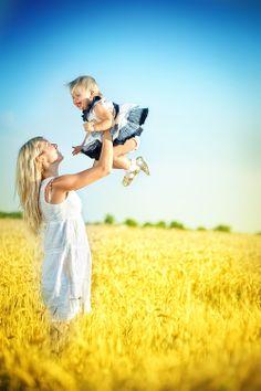 Mum's happiness by Alena Vlasko, via 500px