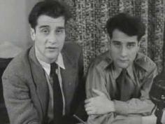 """Haarlemse jongens tekenen """"geheim"""" Brits vliegtuig (1952) - YouTube"""
