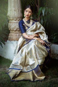 Sari Blouse, Saree Blouse Designs, Blue Blouse, Blouse Patterns, Sari Design, Kanjivaram Sarees Silk, Soft Silk Sarees, Blue Silk Saree, Sabyasachi Sarees