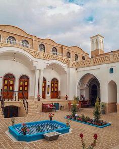 Kashan , Iran Source by husenfattah Architecture Design, Persian Architecture, Education Architecture, Beautiful Architecture, Iran Tourism, Sacred Garden, Brick Art, Persian Garden, Iran Travel