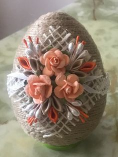 Easter Egg Crafts, Easter Art, Easter Eggs, Easy Yarn Crafts, Burlap Crafts, Spring Crafts, Holiday Crafts, Pinterest Diy Crafts, Easter Egg Designs