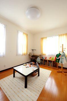 子供部屋は明るさにこだわり二方向からの採光を確保。