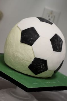 Soccer ball cake tutorial and soccer shoe cake tutorial Soccer Shoes Indoor, Best Soccer Shoes, Soccer Birthday Parties, Soccer Party, Birthday Cakes, Fondant, Soccer Ball Cake, Angry Birds Cake, Sport Cakes