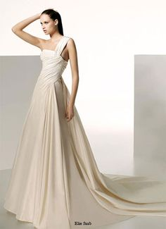 'Perseus' dress from the 2009 Elie by Elie Saab collection for Pronovias...currently my ideal wedding dress.