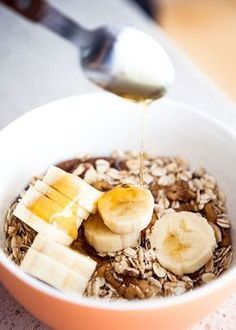 S medem opatrně, stačí ho opravdu jen lžička; Salty Foods, Breakfast Snacks, Healthy Weight Loss, Food Hacks, Oatmeal, Food And Drink, Health Fitness, Low Carb, Vegetarian