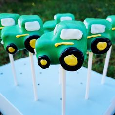 Excited to share this item from my #etsy shop: John Deer Tractor Cake Pops #truck #johndeer #tractor #country 18th Cake, White Cake Pops, Cake Pop Stands, Dinosaur Train, Pop Photos, Character Cakes, The Fragile, Bubble Wrap, Food Allergies