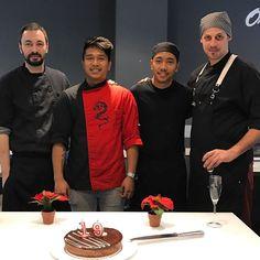 Hoy celebramos el aniversario de Eugine. Felicidades!!  Por muchos más cumples en nuestra cocina! (Equipo Sushimans) #sushi #barcelona #cooks #chef