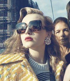 As novas peças da Miu Miu estão chegando para abalar o verão! Venha e reserve já a sua para não perder os lançamentos! www.oticaswanny.com #oticaswanny #compreonline #miumiu #verao #2016 #online #lançamentos #miu #oculos #sunglasses #eyewear #modasolar #oticaswanny