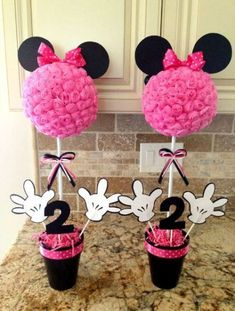 Love this but Mickey Mouse instead of Minnie! Minnie Mouse Theme Party, Mickey Party, Mickey Mouse Birthday, Fete Halloween, 3rd Birthday Parties, 2nd Birthday, Birthday Table, Birthday Ideas, First Birthdays