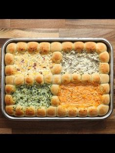 dips and appetizers Finger Food Appetizers, Appetizer Dips, Yummy Appetizers, Appetizers For Party, Appetizer Recipes, Snack Recipes, Cooking Recipes, Dip Recipes, Party Finger Foods