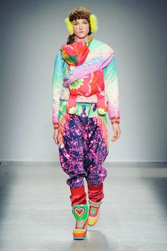 Manish Arora F/W 2014 The shoes are great. Euen again, with just jeans and a tshirt and then again this outift here is too fun to pass up. Imaginatiue for certain.