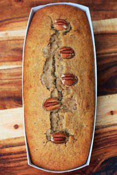 Storesøsters Kjøkken: Grovt Bananbrød Med Nøtter