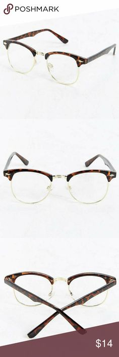 fc6a067e06c NWOT Urban Outfitters Half-Frame Readers