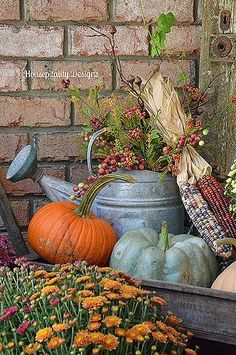 Beautiful fall colors for porch decor