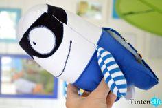 Tintenelfe.de - Tintenelfes Blog - Spieluhr Superheld selbstgenäht #spieluhr #kuscheltier #superheld #hero #musicbox