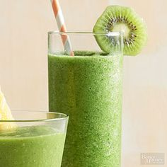 Whether you blend it up for breakfast or as a snack, this healthy smoothie with spinach will become your new favorite green drink. Yogurt and banana give this pineapple smoothie its rich, satisfying texture. Vegetable Smoothie Recipes, Green Smoothie Recipes, Strawberry Smoothie, Fruit Smoothies, Fruit Juice, Pineapple Smoothies, Heart Healthy Breakfast, Healthy Breakfast Options, Healthy Breakfast Smoothies