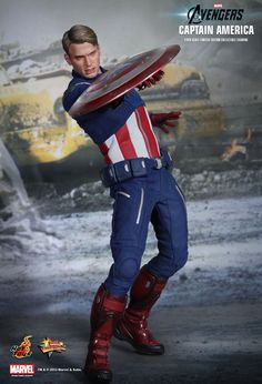 Hot Toys : The Avengers - Captain America 1/6th scale Limited Edition Collectible Figurine