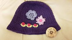 Cute Flower Hat by LisasWoollyTreasures on Etsy Sheep Cards, Triangle Scarf, Cotton Hat, Flower Hats, Cloche Hat, Christmas Knitting, Handmade Items, Handmade Gifts, First Baby