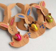 Easter Bunny Crafts for Kids - Preschool and Kindergarten easter bunny gift ideas for kids Bunny Crafts, Easter Crafts For Kids, Spring Crafts, Holiday Crafts, Funny Easter Bunny, Easter Art, Easter Projects, Easter Activities, Paper Crafts