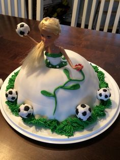 Barbie jalkapallo kakku
