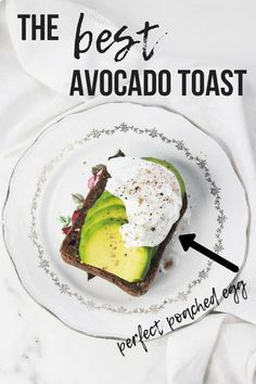 The best avocado toast recipe. Deliciously ripe avocado, a perfectly poached egg and 2 secret ingredients - sesame and poppy seeds. Healthy Fruits, Healthy Eating Recipes, Real Food Recipes, Healthy Snacks, Brunch Recipes, Fall Recipes, Snack Recipes, Egg Recipes, Best Avocado Toast Recipe