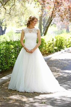 Detective Kate Beckett in her wedding dress