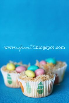 Easter - cheesecake bird's nests    So making these... but may may use the technique on cupcakes.
