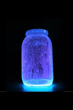 What you need: 1 large jar  glow sticks (colors you desire)  diamond glitter (optional) Method: Cut a glow stick and shake the contents into a jar. Add diamond glitter (optional). Seal the top. Shake hard.