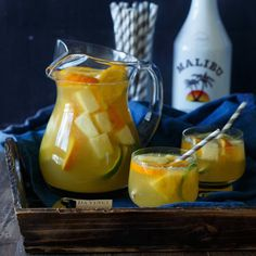 Cool down this summer with this refreshing Tropical Pineapple Coconut Sangria! It& an instant party in a pitcher! Summer Sangria, Summer Cocktails, Cocktail Drinks, White Sangria, Peach Sangria, Party Drinks, Drinks With Pineapple Juice, Juice Drinks, Mix Drinks