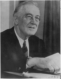 U.S. POLITICS. Franklin D. Roosevelt (1882-1945)   32nd President (1933-1945), Democrat, November 19, 1944