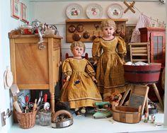 Poupées et Dentelles Museum : Antique Doll Collection for sale Antique Dolls, Vintage Toys, Miniatures, Passion, Collection, Antiques, Madeleine, Porcelain Doll, Classic