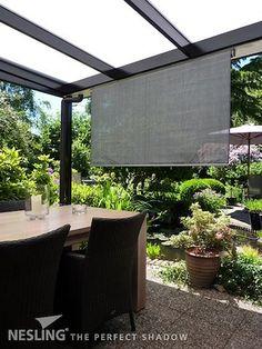 Store vertical hdpe couleur veranda et pergola anthracite Store Pergola, Stores Horizontaux, Ibiza Fashion, Garden Inspiration, Garden Ideas, Blinds, Gazebo, Porch, Patio