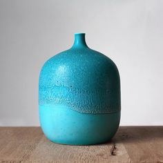 Barbara Lormelle @arundelcontemporary gallery • Turquoise porcelain vase Porcelain Vase, Vases, Stoneware, Turquoise, Gallery, Handmade, Home Decor, Hand Made, Decoration Home