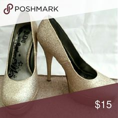 Gold glitter high heels Gold glittery platform heels. Rubber sole on the bottom. Never worn,  no trades. Shoes Platforms