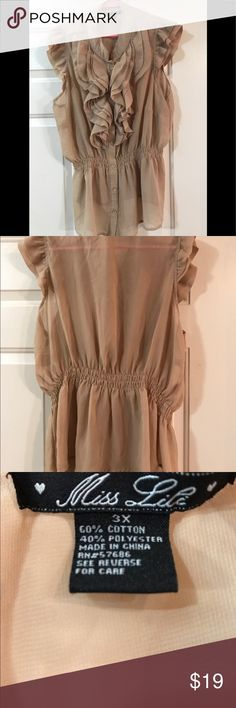 """🌼🎈➕Miss Lili Blouse EUC Sleeveless with elastic at waist. Size 3X, 60% cotton, 40% polyester. Bust 46"""", Length 26""""  Color is dark beige. Lovely neutral color. 🗝Steampunk! Miss Lili Tops Blouses"""