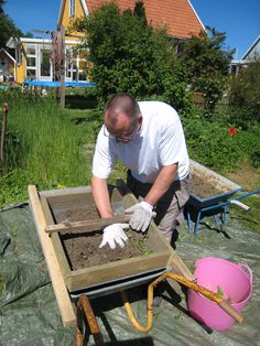 Gør Det Selv – Gratis Gør det selv projekter | DIY Sold til haven, så er det tid til at sige farvel til ukrudtet