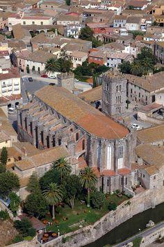 La Llotja o Casa del consell Castell dEmpries Catalunya Per
