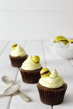 Cupcakes de chocolate y lima.