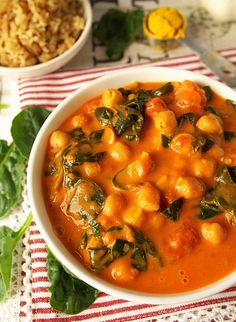 Vegan chickpea stew with spinache Veggie Recipes, Vegetarian Recipes, Cooking Recipes, Healthy Recipes, Vegetable Dishes, Food Design, Tasty Dishes, Meal Prep, Lchf